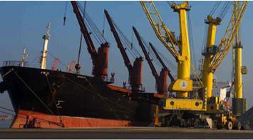 Large scale robust optimization of bulk port operations.